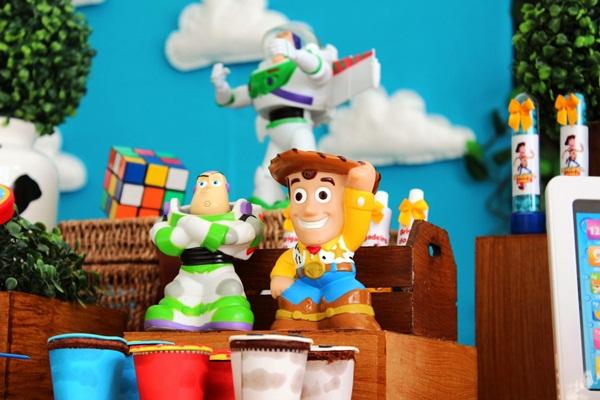 Aniversario Toy Story 4-vert